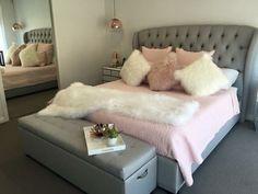 Summer with dogs - Interior & Deko - Wohnen - Bedroom Decor Girl Bedroom Designs, Girls Bedroom, Pink Bedrooms, Dream Rooms, Dream Bedroom, Teen Room Decor, Bedroom Decor, Bedroom Inspo, Bedroom Ideas
