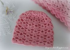 This baby hat is made using the same shells stitch that I used for my Lovely Shells Baby Blanket . And I used the same leftover yarn as w...