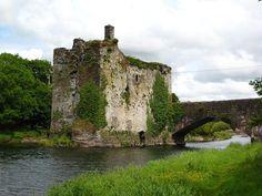 Carrigadrohid castle, County Cork, Ireland  AuthorÍochtar