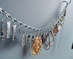 earring organization. chain and hooks. really good idea!