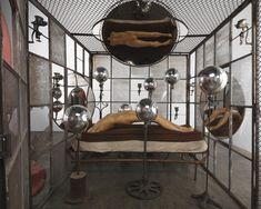 Née à Paris en décembre 1911, Louise Bourgeois est issue d'une famille aisée…