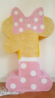 Amazing Minnie Mouse Number 1 Pink and Gold piñata party ! Minnie Mouse Pinata, Minnie Mouse First Birthday, Minnie Mouse Theme, Baby Birthday, First Birthday Parties, Mickey Birthday, Festa Mickey Baby, Pinata Party, Mouse Parties