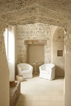 At Home With: Ludovica & Roberto Palomba, Puglia :: This Is Glamorous Interior Architecture, Interior And Exterior, Casa Hotel, Country House Hotels, Italian Home, Stone Houses, Deco Design, Sweet Home, Inspiration