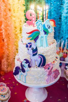 My_Little _Pony_Birthday_Party_in_Rainbow_cake