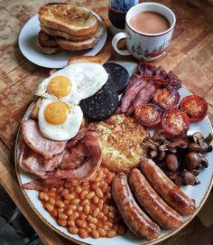 Un fier petit-déjeuner anglais. - New Ideas A proud English breakfast. Un fier petit-déjeuner anglais. Breakfast Platter, Breakfast Skillet, Breakfast Buffet, Breakfast Casserole, Breakfast Burritos, Food Platters, Meat Platter, Food Goals, Aesthetic Food
