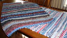 How to make a rug from old wash rags and towels.  The Country Farm Home: Rag Rugs: A Delta Folk Art