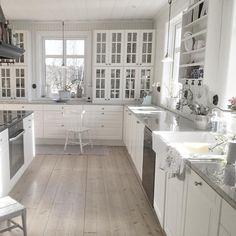 kitchen.. Ikea Kitchen, Kitchen Redo, Kitchen Interior, Kitchen Dining, Kitchen Remodel, Dining Table Lighting, Old Country Houses, Sweet Home, Modern Farmhouse Bathroom