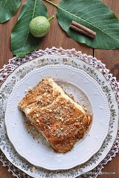 Kαρυδόπιτα με κρέμα ή πουτίγκα ή σπάτουλα/Walnut syrup cake with pastry cream