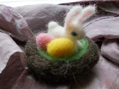 Tiny Needle Felted Easter Nest with Bunny and Eggs / Miniature Waldorf Wool Easter Decoration / Spring Nature Table Soft Toy