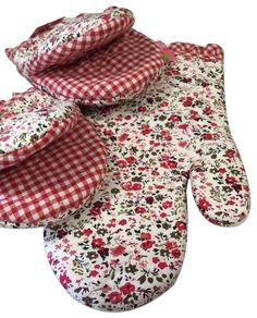 "Amazon.com: Custom & Durable {7"" x 5"" Inch} 3 Set Pack, Mid Size ""Non-Slip"" Pot Holders Glove Made of Cotton for Carrying Hot Dishes w/ Plaid Spring Time Vine Floral Style [Red, Pink, White, & Green]: Home & Kitchen"