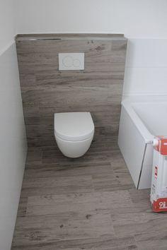 Fliesen In Stein- Und Holzoptik Im Bad Kombinieren | Badzimmer ... Fliesen Badezimmer