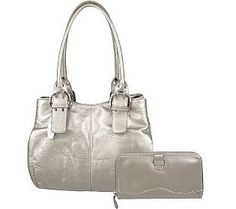 #Tignanello pebble leather. I love pretty much all of the bags from this brand because they're actually functional. #QVC #Bags
