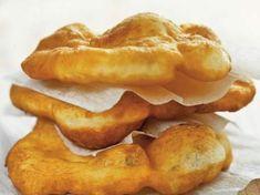 Il fritto misto italiano e internazionale ad Ascoli Piceno Cooking Bread, Bread Baking, Baking Recipes, Snack Recipes, Snacks, Pumpkin Pie Smoothie, Good Food, Yummy Food, Savoury Baking