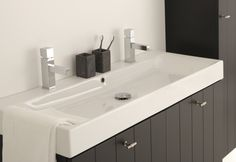 Thebalux badkamermeubel ceramic line nostalgie met dubbele wastafel badkamer pinterest - Badkamer zwart en hout ...