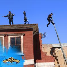 ¿Cómo terminar con un día de cine? ¡Un pase de #LocaAcademia Stunt Show! 🔥 💣 🚓