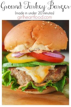 With lean ground turkey, simple spices and on the table in under 20 minutes these Easy Ground Turkey Burgers are a delicious dinner option the whole family will love! Garnish to taste! Easy Turkey Burger Recipe, Cooking Turkey Burgers, Ground Turkey Burgers, Best Turkey Burgers, Grilled Turkey Burgers, Healthy Ground Turkey, Ground Turkey Recipes, Beef Burgers, Veggie Burgers