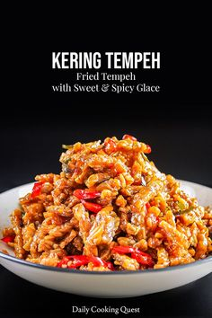 Kering Tempeh - Fried Tempeh with Sweet & Spicy Glace -You can find Tempeh and more on our website.Kering Tempeh - Fried Tempeh with Sweet & Spicy Glace - Lunch Recipes, Vegetarian Recipes, Cooking Recipes, Healthy Recipes, Vegetarian Curry, Spicy Recipes, Indonesian Food, Indonesian Recipes, Easy Asian Recipes