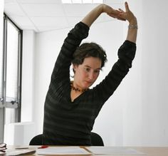 Jai test une semaine au bureau assise sur un swissball Bureaus