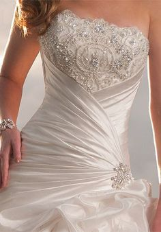 by Sophia Tolli, .now go forth and share that BOW DIAMOND style ppl! Modest Wedding Dresses, Bridal Dresses, Bridesmaid Dresses, Pretty Dresses, Beautiful Dresses, Beautiful Wedding Gowns, Elegant Wedding, Wedding Dress Accessories, Dream Dress