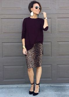 Fashion Ideas For Women Over 40 and Modest Fashion. Printed Skirt Outfit, Pencil Skirt Outfits, Printed Skirts, Pencil Skirts, Work Fashion, Modest Fashion, Fashion Blogger Style, Fashion Outfits, Winter Fashion