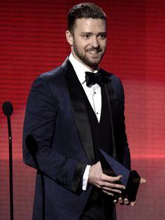 Jennifer Lopez Impresses Justin Timberlake at the American Music Awards