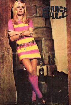 """Pinup from """"Cinema"""" magazine (April 60s And 70s Fashion, Mod Fashion, Vintage Fashion, Gothic Fashion, France Gall, Style Année 60, Preppy Style, 1960s Style, Rock And Roll Girl"""