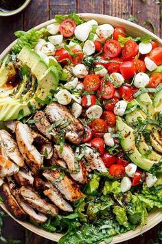 Low calorie recipes 788270741012777279 - Balsamic Chicken Avocado Caprese Salad is a quick and easy meal in a salad drizzled with a balsamic dressing that doubles as a marinade! High Protein Recipes, Good Healthy Recipes, Low Carb Recipes, Diet Recipes, Chicken Recipes, Cooking Recipes, Delicious Recipes, Yummy Food, Diabetic Dinner Recipes