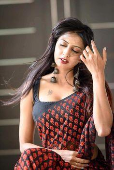 Beautiful Girl Indian, Most Beautiful Indian Actress, Most Beautiful Women, Beautiful Saree, Beauty Full Girl, Beauty Women, Women's Beauty, Natural Beauty, Indian Beauty Saree