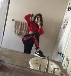 49 images about School Outfits on We Heart It Mode Outfits, Trendy Outfits, Girl Outfits, Fashion Outfits, 90s Fashion, Lazy Day Outfits, Fashion Belts, Latest Fashion, Womens Fashion