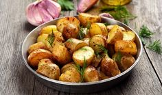 These fragrant roast potatoes are the perfect way to complement your roast dinner Can You Freeze Potatoes, How To Cook Potatoes, Garlic Roasted Potatoes, Parmesan Potatoes, Easy Potato Recipes, Side Dish Recipes, Yummy Recipes, Chicken Recipes, Greek Style Potatoes