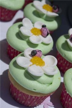 Ladybug Cupcakes #LoveofSugar
