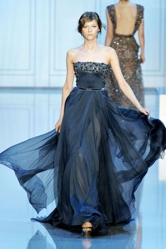 Elie Saab Gowns ~ 2011/2012 Fall Couture Collection      i love this so much! can someone get this for me????(;