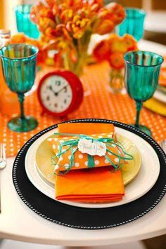 Find bulk Disposable Dishware and Tableware for Weddings, Showers, Birthdays, and Catering Events at efavormart.com. Glam your Dining and Banquet Tables up with elegant Charger Plates, Under Plates, Service Plates, and Server Plates.