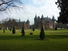 "Dutch Castle~ ""Kasteel de Haar""  Great Visit!!! Barcelona Cathedral, Castles, To Go, Places, Chateaus, Castle, Lugares, Forts"