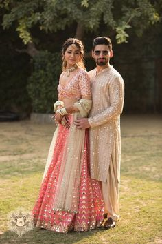 Mehendi Outfits, Indian Bridal Outfits, Indian Bridal Fashion, Indian Fashion Dresses, Dress Indian Style, Bridal Dresses, Fashion Outfits, Engagement Dress For Bride, Couple Wedding Dress
