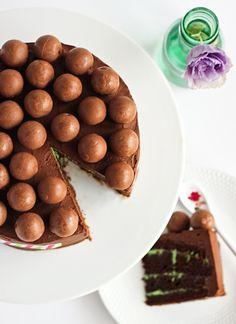 Mint Chocolate 'Aero' Cake by raspberri cupcakes