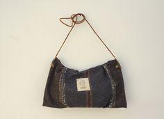 Minimal Handbag, Minimal crossbody bag, Minimal Purse, Small Messenger Bag, Wool Bag, Travel Purse by NagaLab on Etsy