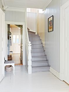 ernashus - grey staircase; not bad. Hmm...