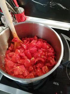 Σήμερα θα φτιάξουμε σάλτσα ντομάτας για να προετοιμαστούμε για τον χειμώνα.. Greek Recipes, Salsa, Ethnic Recipes, Sauces, Food, Essen, Greek Food Recipes, Salsa Music, Meals