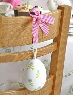 Ideia de decoração gira para marcar os lugares na mesa da Páscoa | Eu Decoro