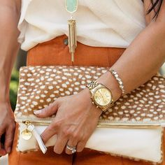 Love everything about this, especially clutch and gold jewelry
