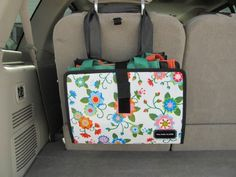 Reusable Grocery Bag Storage in Vehicle! I also wish I had bought more of the site's reusable bags. Grocery Bag Storage, Car Storage, Reusable Shopping Bags, Reusable Bags, Tote Storage, Sac Recyclable, Storage Organization, Storage Ideas, Storage Baskets