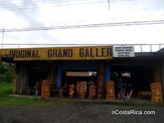 Original Grand Gallery se encuentra ubicado en La Fortuna de San Carlos en Alajuela, Costa Rica; 2 km oeste del centro de la ciudad. Nos especializamos en la venta de esculturas y artesanías.