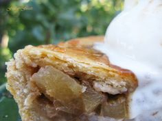 Salted Caramel Apple Pie  3 Recipes with Mushrooms, Apples & Butternut Squash | Friday Feasts  https://www.toovia.com/lists/3-recipes-with-mushrooms-apples-butternut-squash-friday-feasts