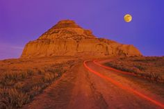 """In Saskatchewan's Big Muddy Badlands lies a a 60 meter (196-foot) castle of compressed clay (appropriately called """"Castle Butte""""). The badlands lie in the Big Muddy Valley, a 55 kilometer-wide area formed during the last ice age."""