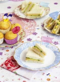 Cute paper plates for tea party
