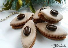 Moje vánoční cukroví White Chocolate Recipes, White Chocolate Mousse, Melting Chocolate, Shortcrust Pastry, Czech Recipes, Mocca, Christmas Baking, Christmas Cookies, Baking Recipes