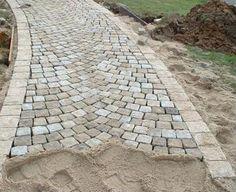 Modern Driveway, Driveway Design, Patio Design, Garden Design, Patio Pavé, Cobblestone Driveway, Outdoor Stone, Stone Masonry, House Front