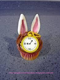 Resultado de imagen para cupcakes alicia en el pais de las maravillas