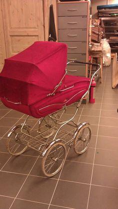Vintage Pram, Baby Carriage, Prams, Baby Gear, Old School, Baby Strollers, Car Seats, Bb, Retro
